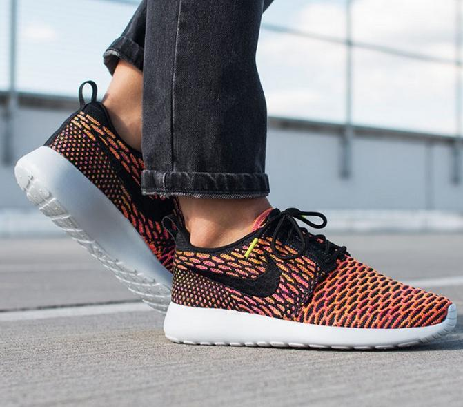 $79.98 Women's Nike Roshe One Flyknit Casual Shoes