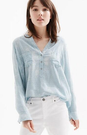 Up to 40% Off off $250 purchase @ Lou & Grey