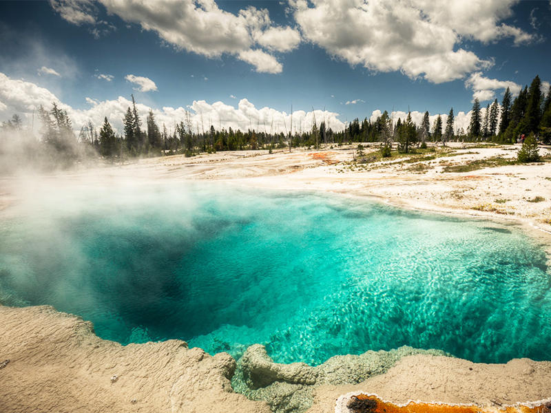 Up to 21% Off 2016 Yellowstone Experience Tour Packages Sale @ Usitrip.com