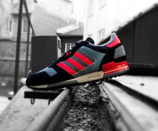 Adidas Originals ZX 700 Men's Sneaker