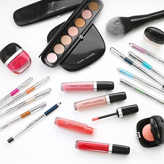 Dealmoon Exclusive!  Free Marc Jacobs Giftsincluding bag and Free mini velvet noir mascara with $65 Purchase @ Marc Jacobs Beauty