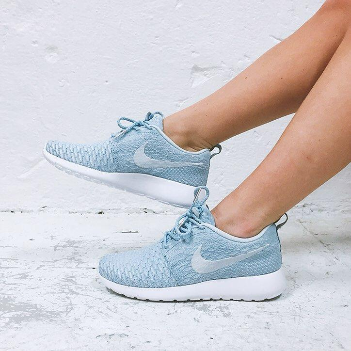 Extra 20% Off NIKE ROSHE FLYKNIT Sale @ Nike Store