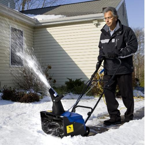 Up to 48% Off Snow Joe Snow Throwers and Blowers @ Amazon.com