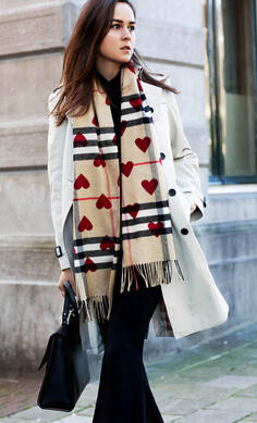 Burberry Classic Cashmere Scarf in Check and Hearts