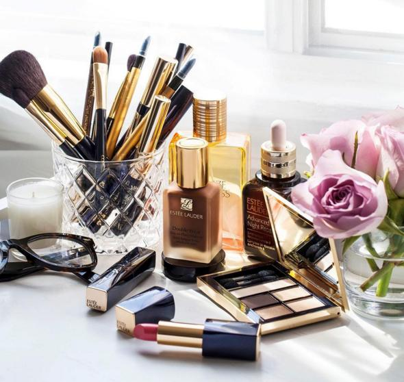 Free 4-pc gift set with $50 Estee Lauder Purchase