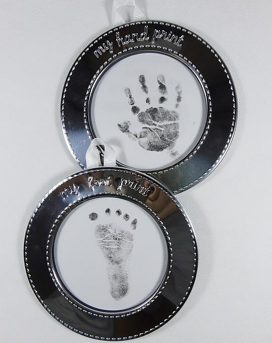 $10.4 Carter's Hand and Foot Print Keepsake, Silver @ Amazon