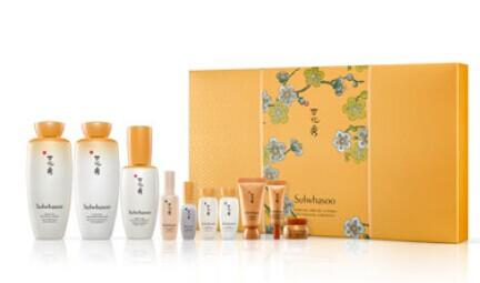 $205 ($289 Value) Sulwhasoo Limited Edition Essential Special Set @ Bergdorf Goodman