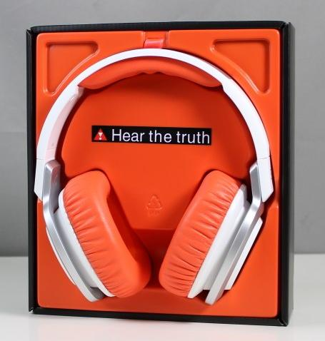JBL J88i Wht/Orange over-ear headphones