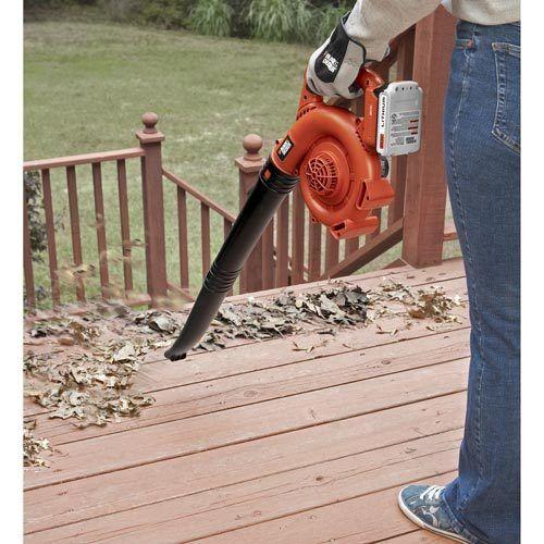 Black + Decker 20V MAX* Cordless Lithium Single Speed Sweeper (Manufacturer refurbished)