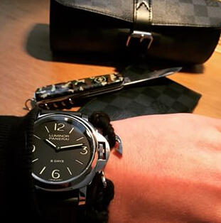 Panerai Luminor Base 8 Days Acciaio Mechanical Black Dial Men's Watch PAM00560