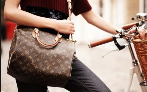 From $225 LOUIS VUITTON Handbags @ Rue La La