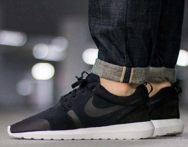 $69.98 Men's Nike Roshe One NM Fleece Casual Shoes @ FinishLine.com