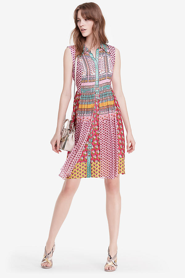 25% OFF Friends & Family Sale @ DVF