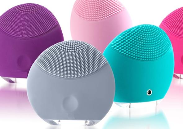 Rechargeable Mini Silicone Facial Brush