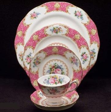 Royal Albert Lady Carlyle 5-Piece Place Setting, Service for 1 @ Amazon