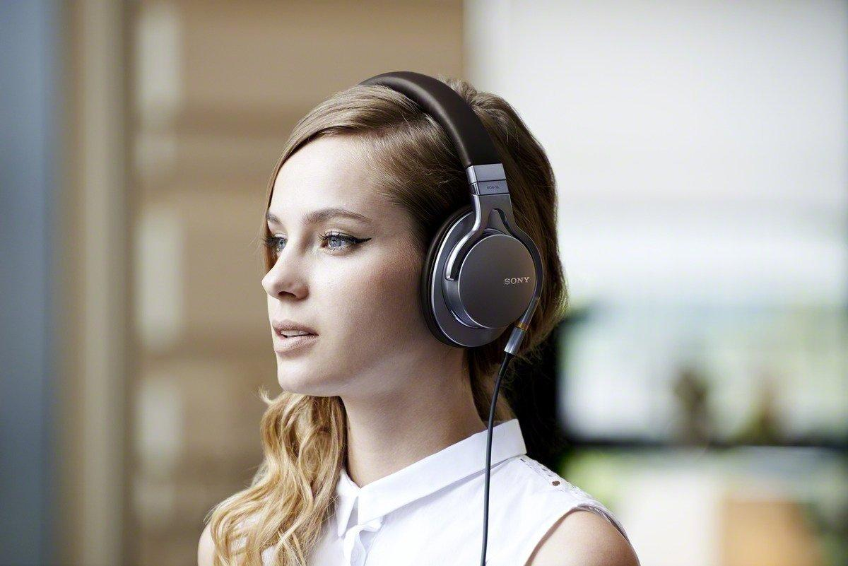 $187 Sony MDR-1A Premium Hi-Res Stereo Headphones