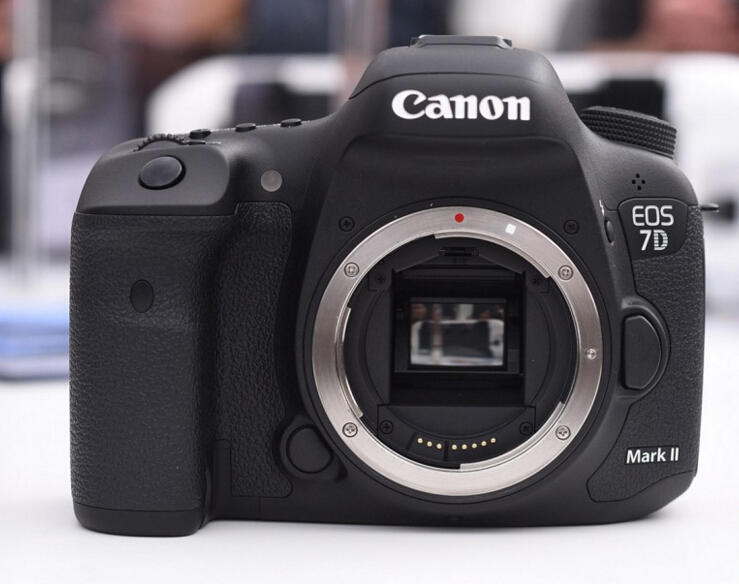 $1099 Canon EOS 7D Mark II Digital SLR Camera Body Only