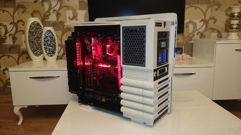 Thermaltake Level 10 GT Snow Edition ATX Full Tower Computer Case