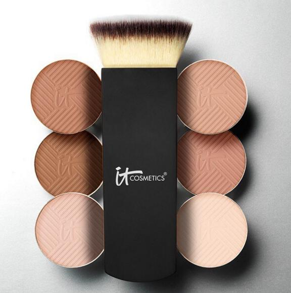 25% Off Any $30 Order Friends + Family Event @ IT Cosmetics