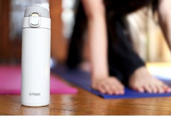 Tiger MMY-A036-WP Stainless Steel Vacuum Insulated Travel Mug, 12-Ounce, White