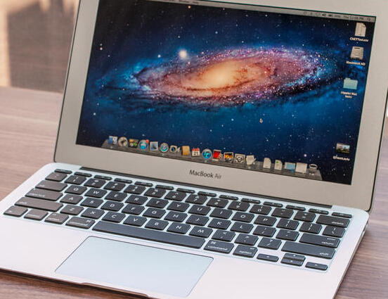 "$599.99 Apple Macbook MJVM2LL/A Air Intel i5 11.6"" 128GB"