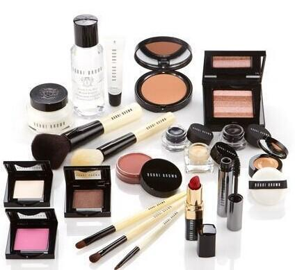 Free 27 Piece Gift Set Bobbi Brown @ Nordstrom