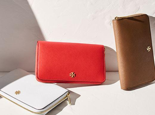 Up to 30% OFF Wallet @ Tory Burch