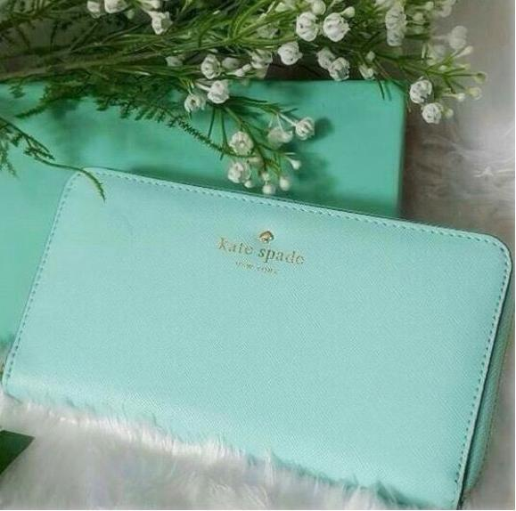 Extra 25% Off + From $60 CEDAR STREET LACEY WALLETS @ kate spade