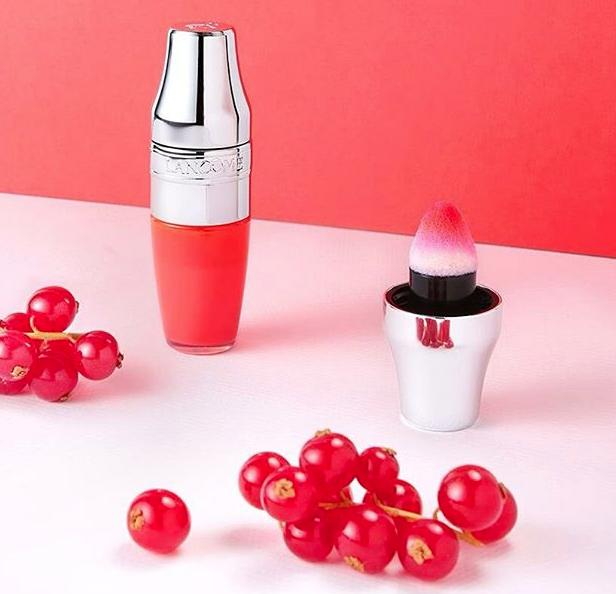 JUICY SHAKER Pigment Infused Bi-Phased Lip Oil @ Lancome