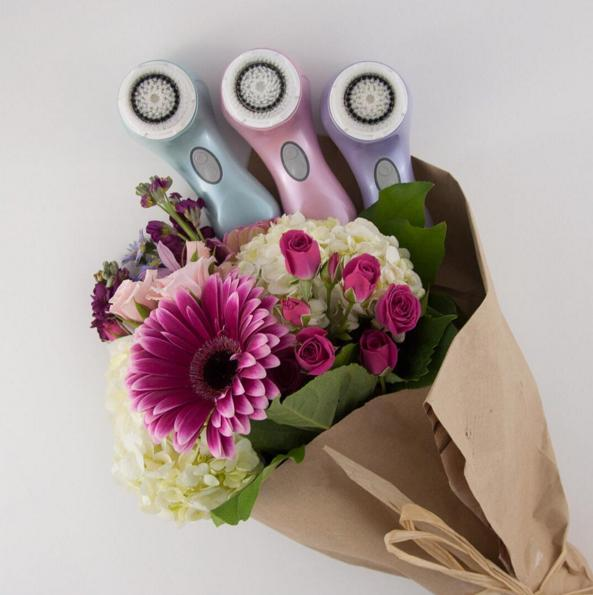 20% Off + Free $39 Mother's Bag with $125 purchase Clarisonic Sale @ SkinStore.com