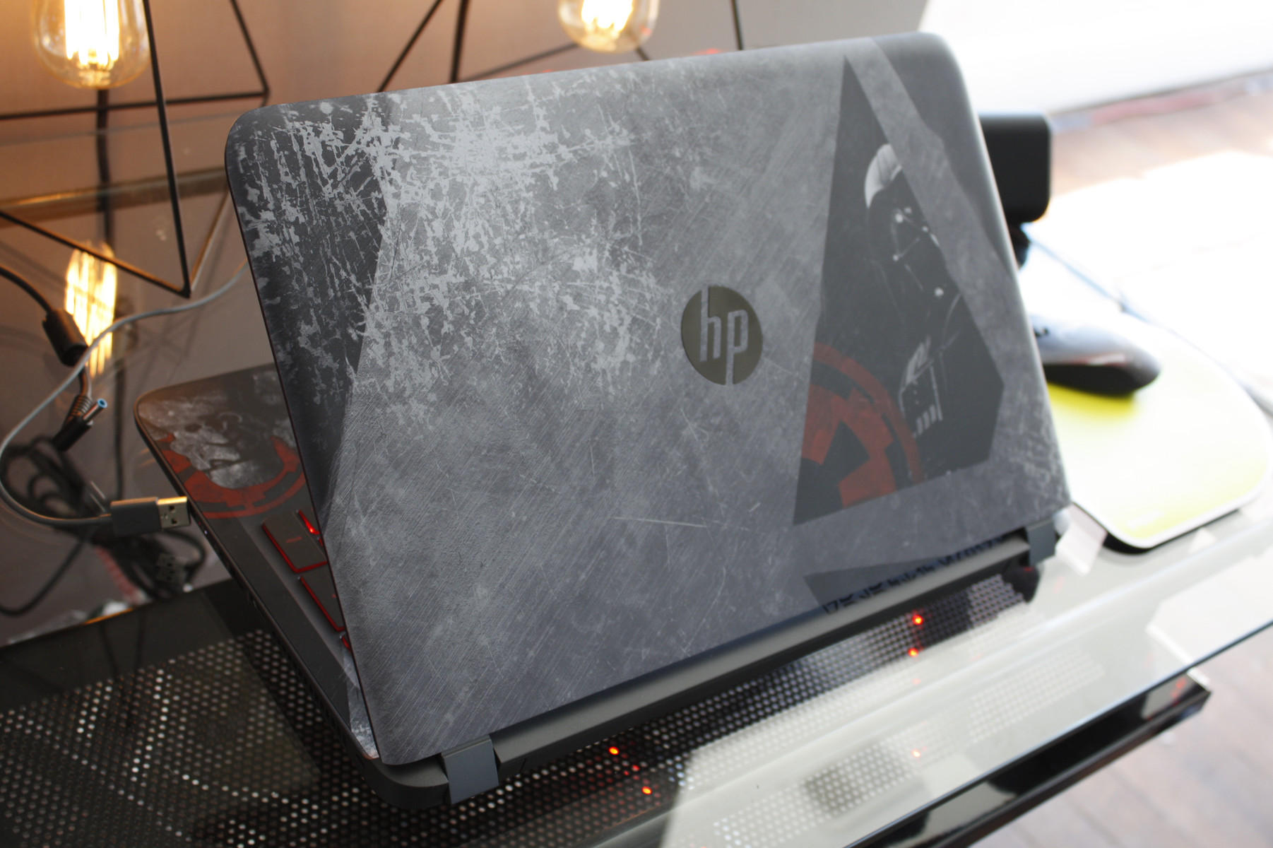 HP 15-an050nr Star Wars Special Edition 15.6
