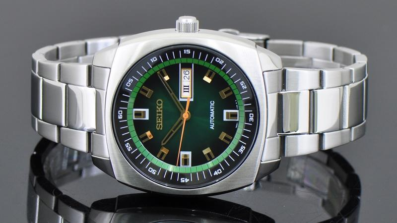 Lowest price! $114.93 Seiko Men's SNKM97 Analog Display Green Dial Automatic Silver Toned Steel Watch
