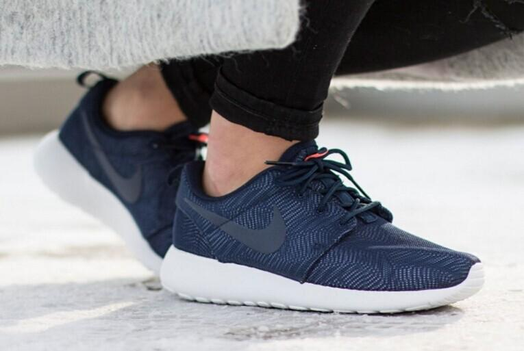 Extra 20% Off ROSHE ONE @ Nike Store