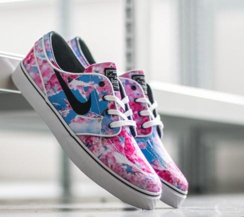 Extra 20% Off Nike Big Kids Sneakers On Sale @ Nike Store