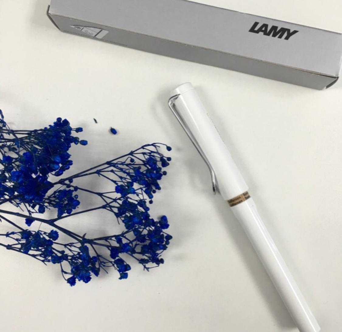 $20.64 Lamy Safari Fountain Pen, White, Medium Nib