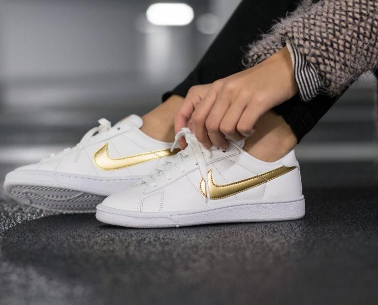 $54.97 NIKE TENNIS CLASSIC WOMEN'S SHOE On Sale @ Nike Store
