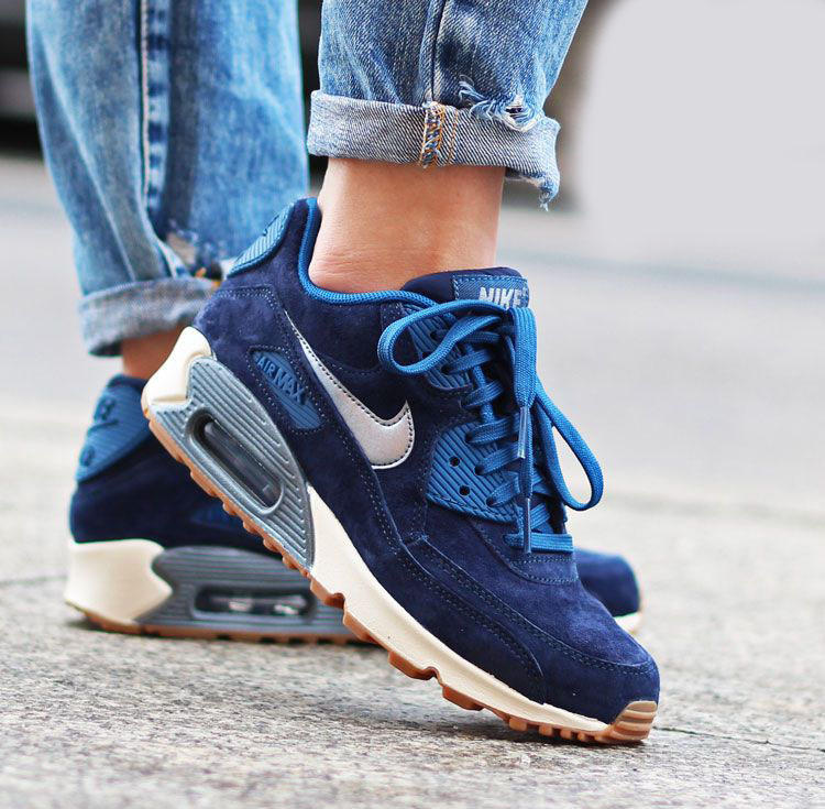 $71.22 NIKE AIR MAX 90 PREMIUM SUEDE WOMEN'S SHOE On Sale @ Nike Store