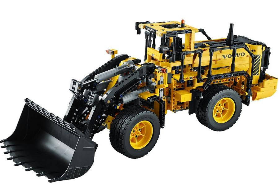 $199.99 LEGO Technic 42030 Remote Controlled VOLVO L350F Wheel Load