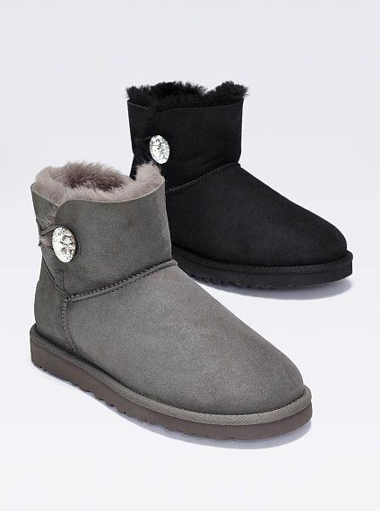 Up to 70% Off UGG Women's Boots @ 6PM.com