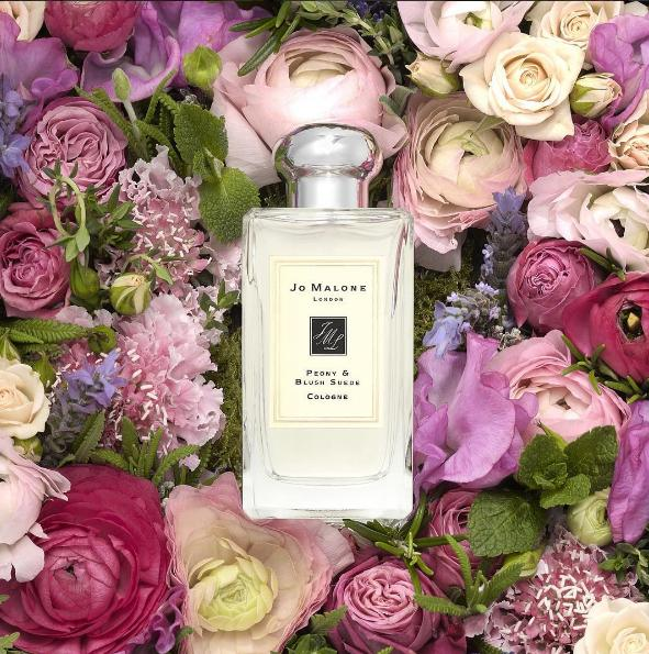 Receive The Fragrance Combining™ Collection plus complimentary standard delivery with any jomalone.com purchase of $175 or more