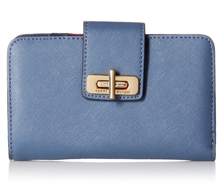 $48.40 Tommy Hilfiger Toggle Leather Flap Wallet
