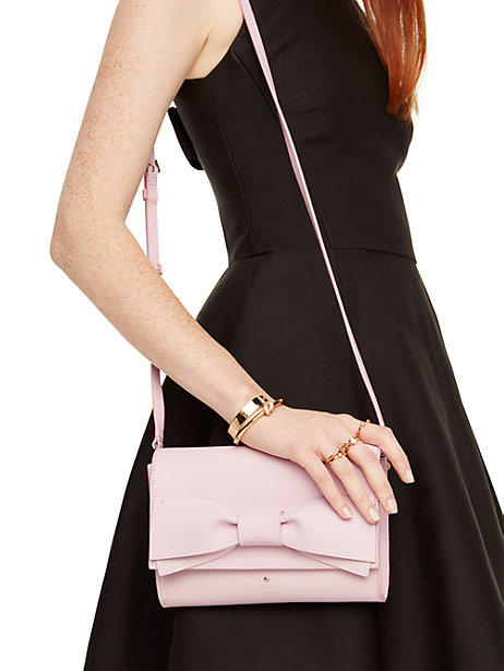 Extra 25% Off Select kate spade Bow Series Handbags on Sale @ kate spade