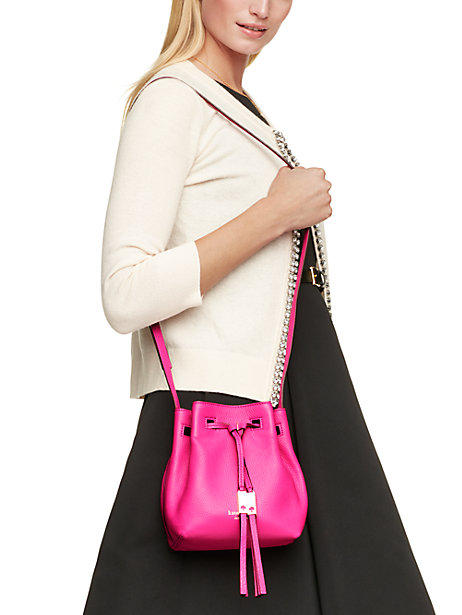 Extra 30% Off Select kate spade Bucket Handbags on Sale @ kate spade