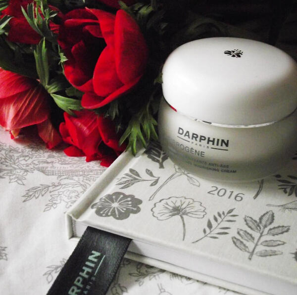 Free Travel-size HYDRASKIN Intensive Skin-Hydrating Serum with Any Order over $50 @ Darphin