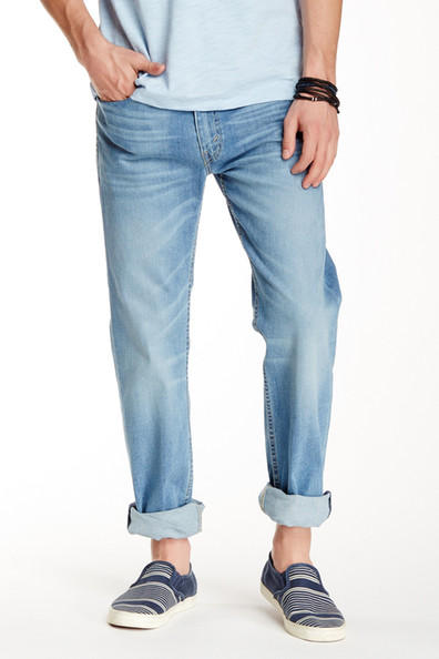 Up to 70% Off Levi's On Sale @ Nordstrom Rack