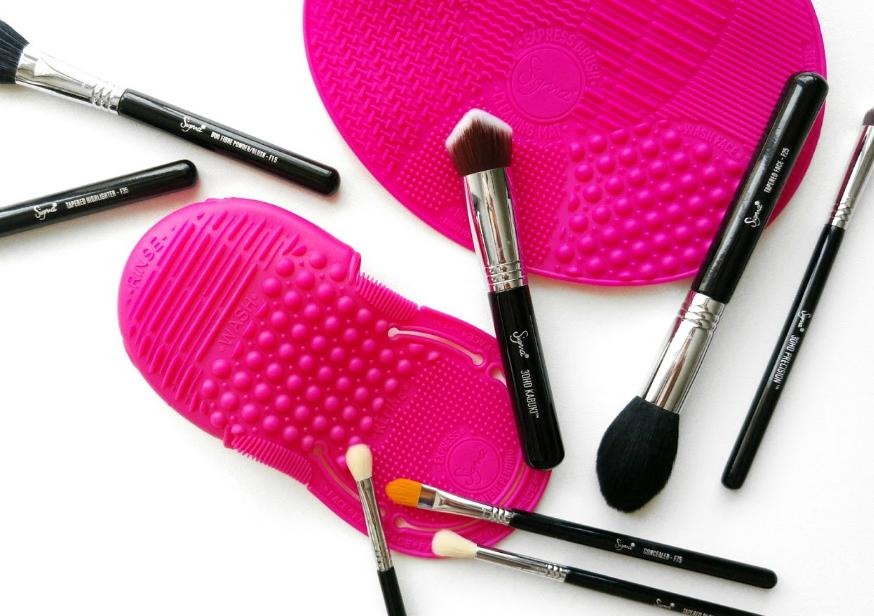 $25.00 Sigma Beauty Express Brush Cleaning Mat