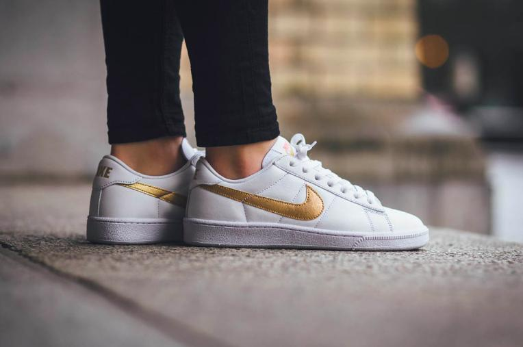 NIKE TENNIS CLASSIC WOMEN'S SHOE On Sale @ Nike Store