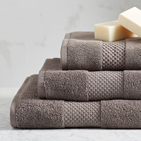 Up to 60% Off Hugo Boss Towels @ Nordstrom Rack