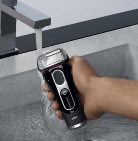 $109.30 Braun Series 5 5090cc Electric Shaver With Cleaning Center