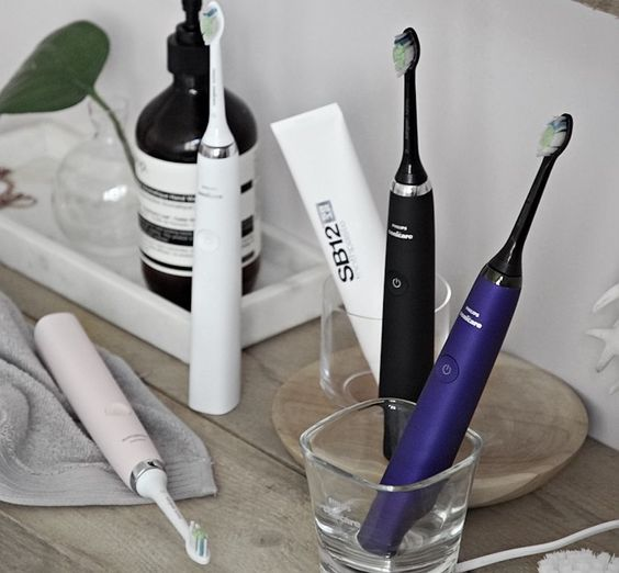 50% Off + Free Marvis Toothpaste Philips Sonicare DiamondClean Sonic Electric Toothbrush @ unineed.com